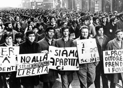 ©Publifoto/LaPresse Archivio Storico 1968 Milano Varie Nelle Foto : una manifestazione studentesca.