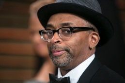 Spike Lee arrives to the 2014 Vanity Fair Oscar Party on March 2, 2014 in West Hollywood, California. AFP PHOTO/ADRIAN SANCHEZ-GONZALEZ