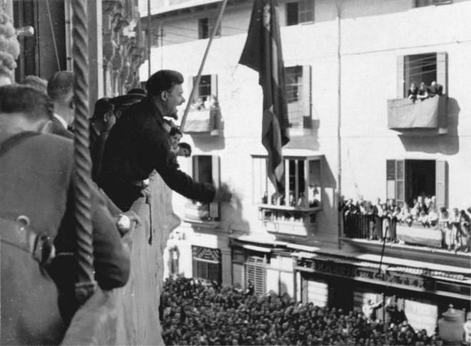 """FU LA SPAGNA - Arconovaldo Bonacorsi, alias """"conde Rossi"""", a Palma di Maiorca, autunno 1936 ©Archivio Stor"""